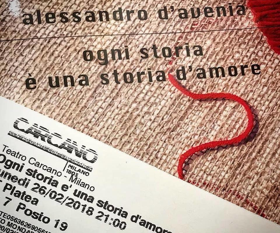 """2c1011de18951c Ogni storia è una storia d'amore – Il prof. D'Avenia """"innamora"""" il Carcano  di Milano"""